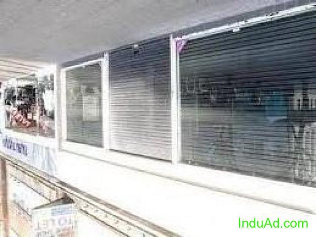 shop for sale 200 Sqft near golcha cinema road @1.40 CR
