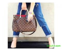 Stylish branded bag that gives a stylish look to diva's now available at affordable prices